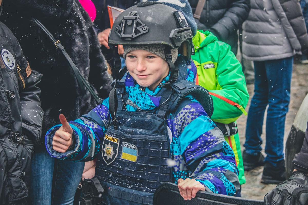 Когда мы попросили малышей поделиться впечатлениями, каждый из них с огоньками в глазах говорил о том, что в будущем хочет быть полицейским