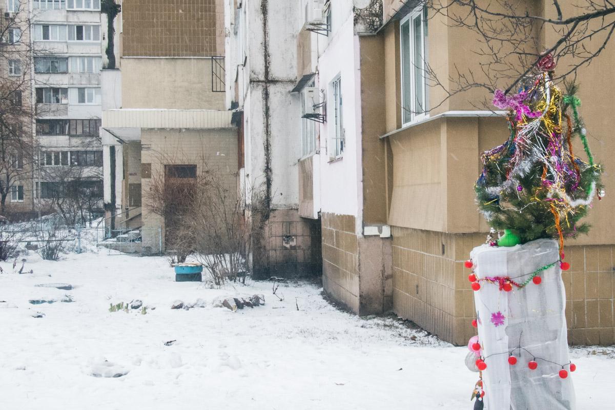 Соседи рассказали, что горе-мать задушила 6-месячную дочку