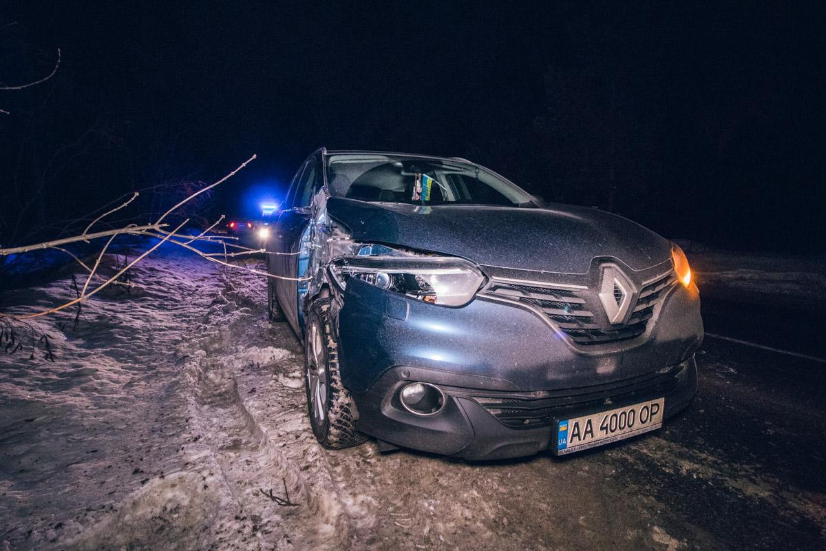 В Киеве Renault сбил военного