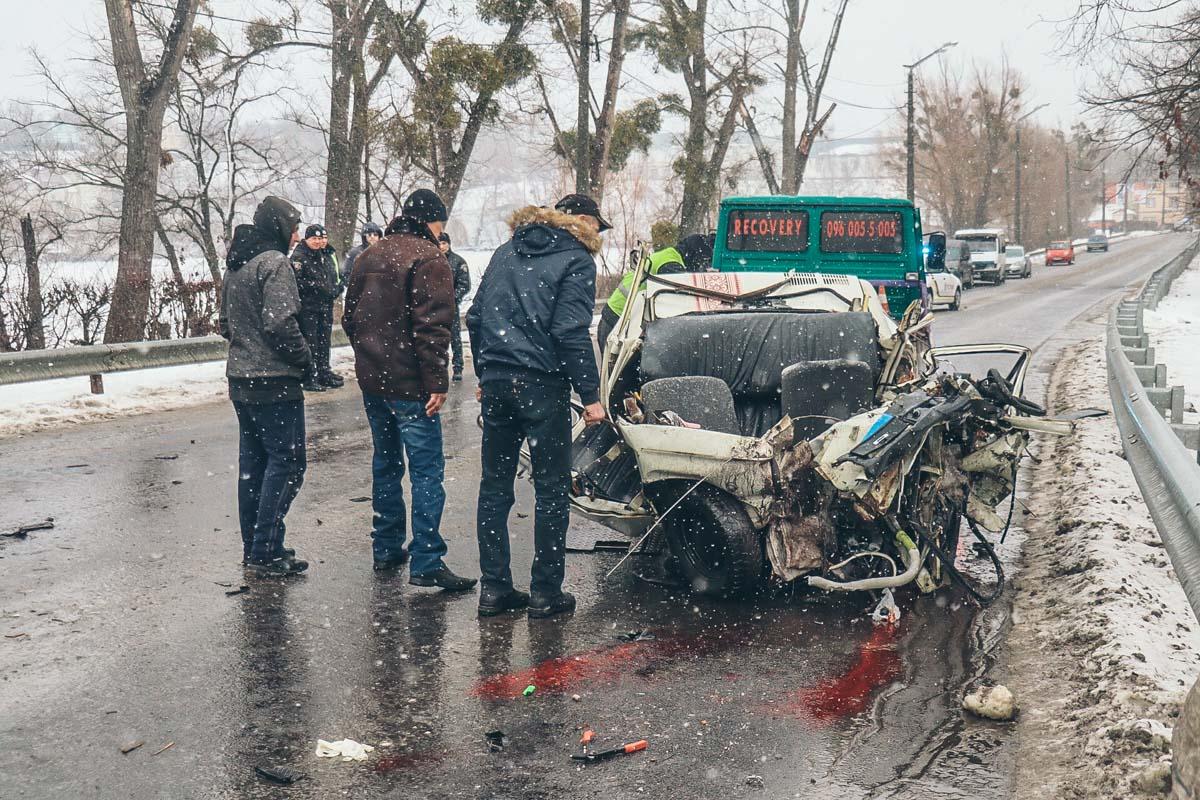 По факту гибели трех человек в автокатастрофе в ближайшее время будет открыто уголовное производство
