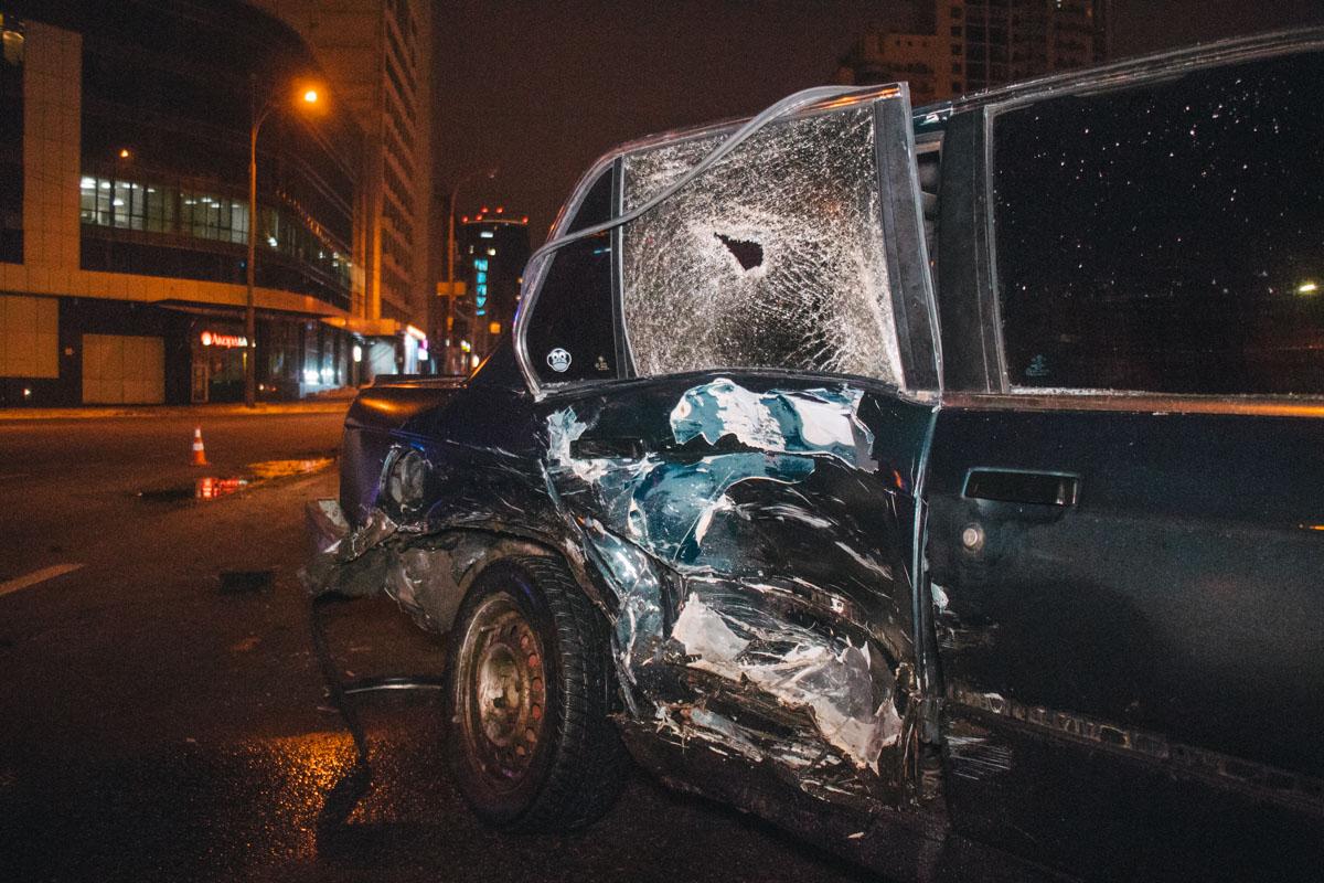 """Водитель """"немца"""" выезжал с улицы Саксаганского и на площади не заметил, как ему на встречу едетHyundai"""