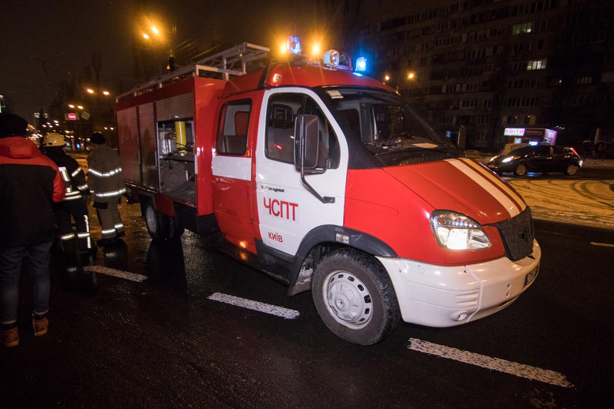 На месте работало 3 единицы пожарной техники
