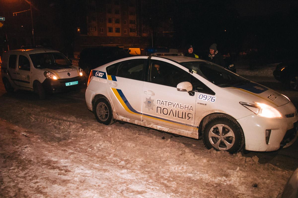 Правоохранители заметили автомобиль, который странно двигался по дороге около 02:45