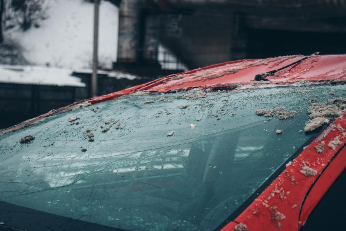 В машине находились две женщины. К счастью, ни одна из них серьезно не пострадала