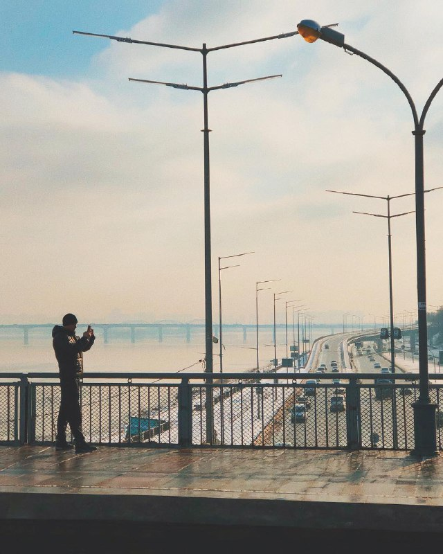 Туман вырисовывает контуры любимого города. Фото: @yakymenko.a