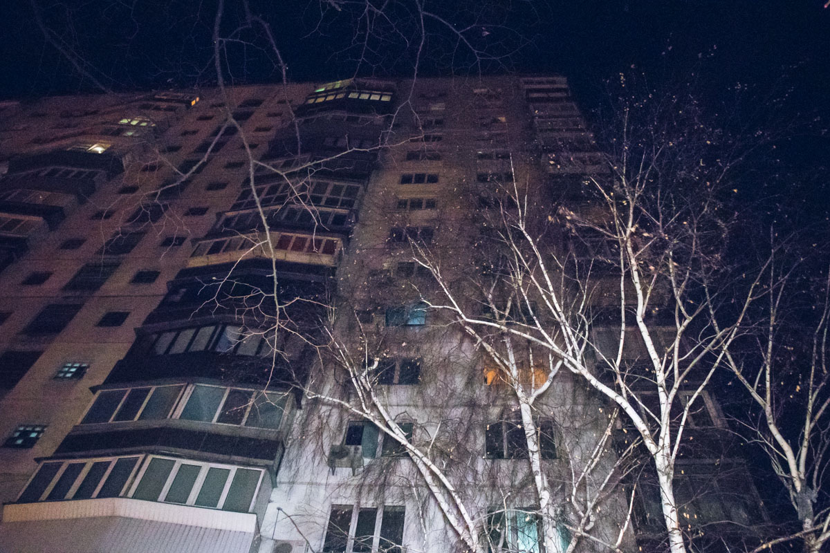 Предварительно, погибший выпрыгнул с 14 этажа