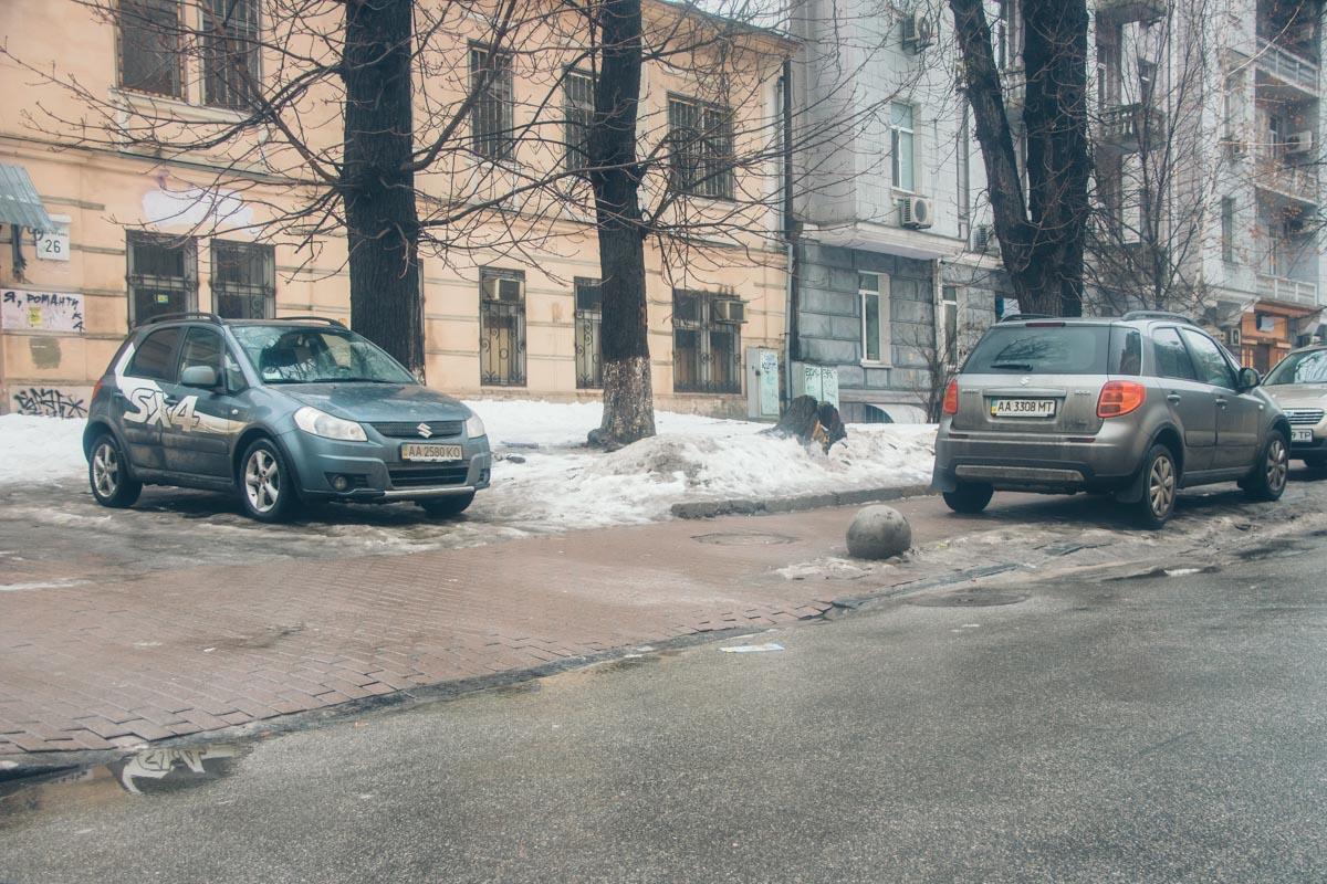 Тротуарная плитка не выдерживает веса автомобилей