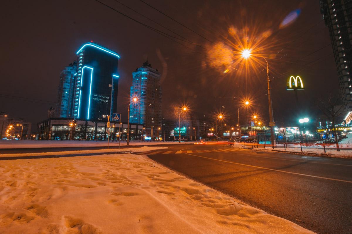 Одной из главной точек на пути Оболонского проспекта является Минская площадь