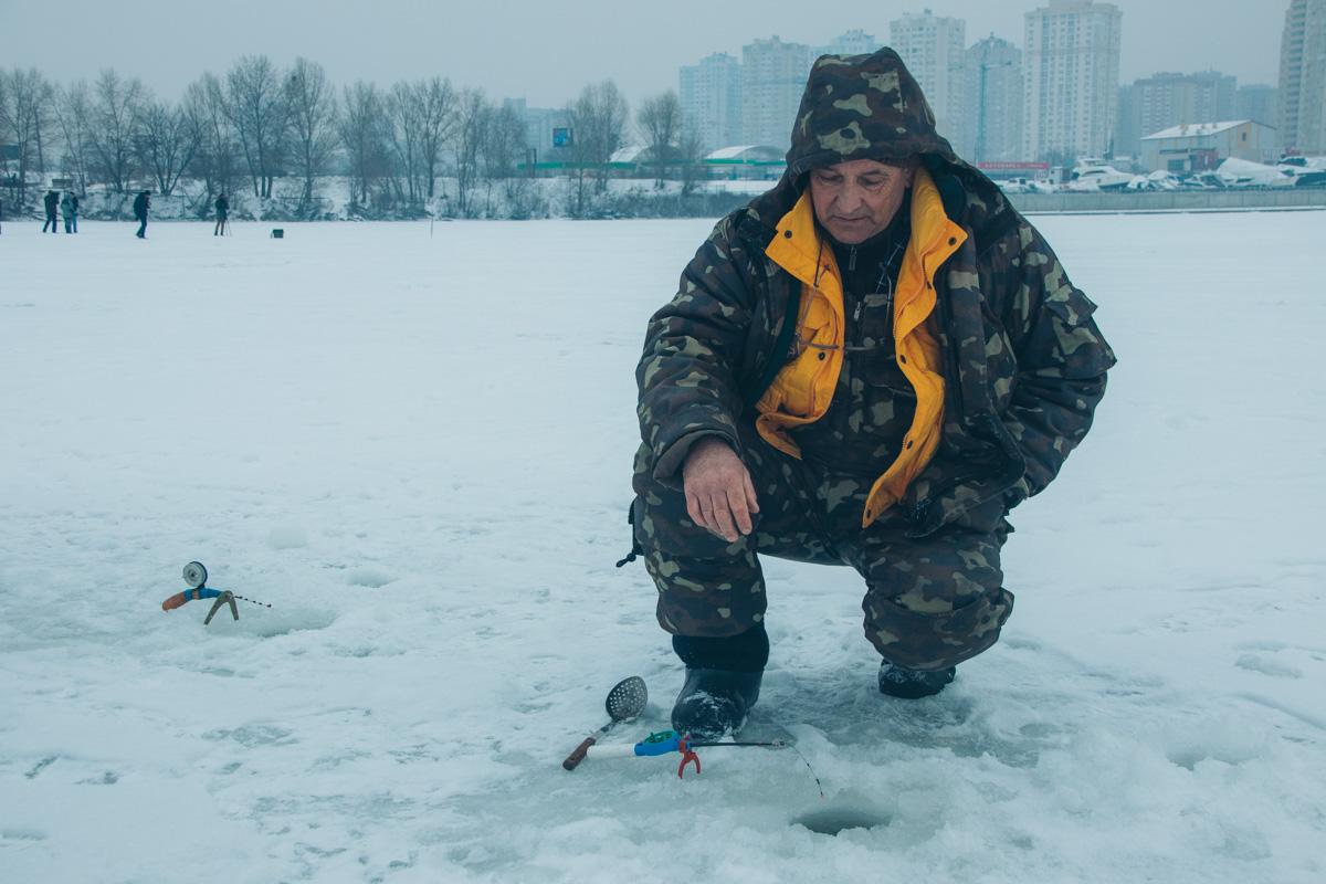 Именно они входя в группу риска тех, кто может провалиться под лед