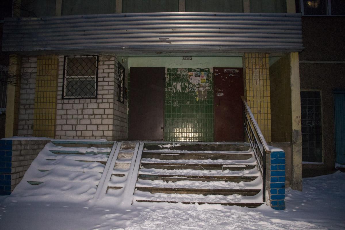 Соседи сказали, что погибший похож на мужчину, который проживает на 6 этаже