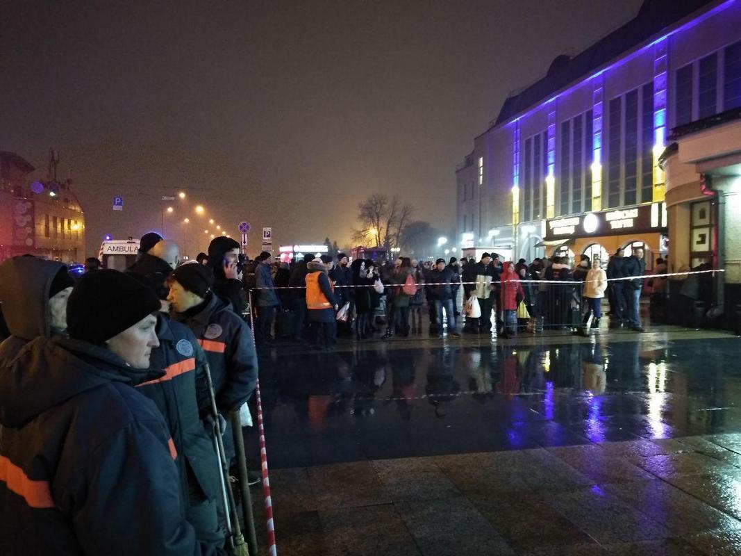 На Центральном железнодорожном вокзале Киева проводится эвакуация людей