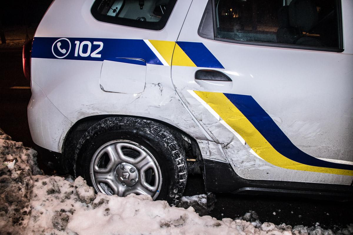 На месте происшествия работали экипажи патрульной полиции и медики