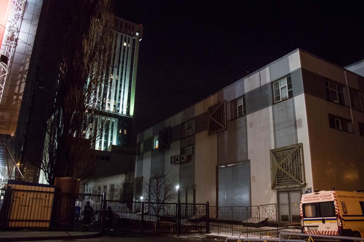 Ночью загорелось здание на территории ТРЦ Gulliver