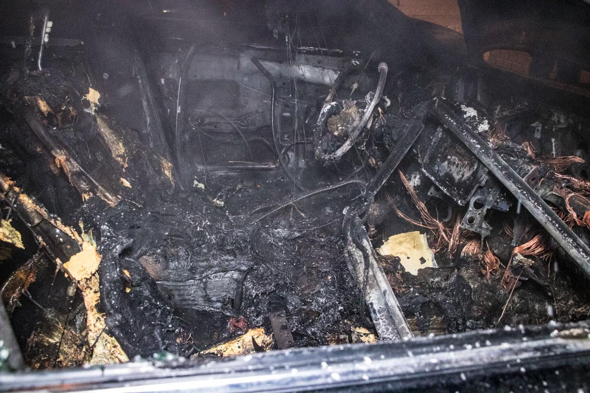 По предварительной информации, причиной возгорания стал газовый баллон