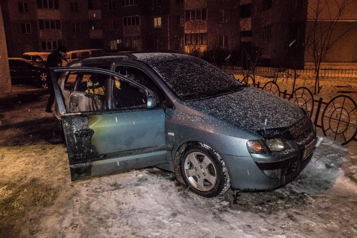 Водитель Mitsubishi смог отъехать от пожара