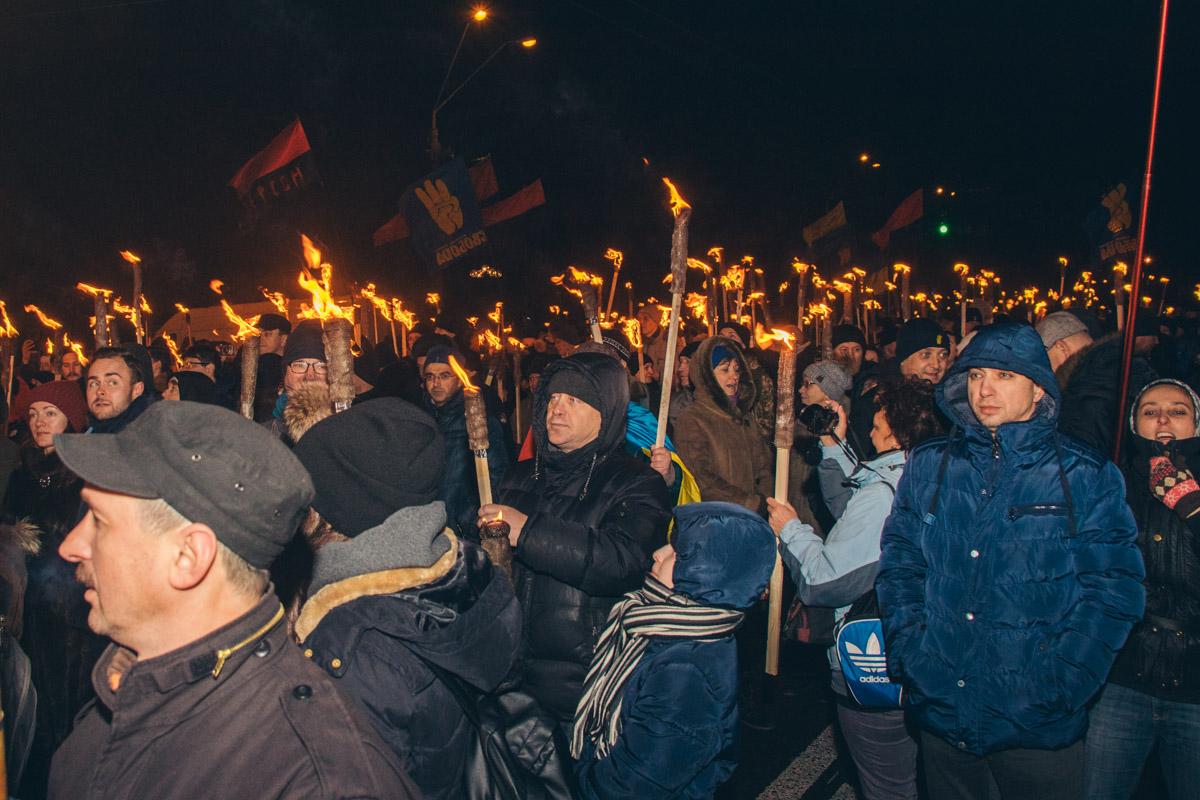 В понедельник, 1 января, в Киеве стартовало ежегодное факельное шествие
