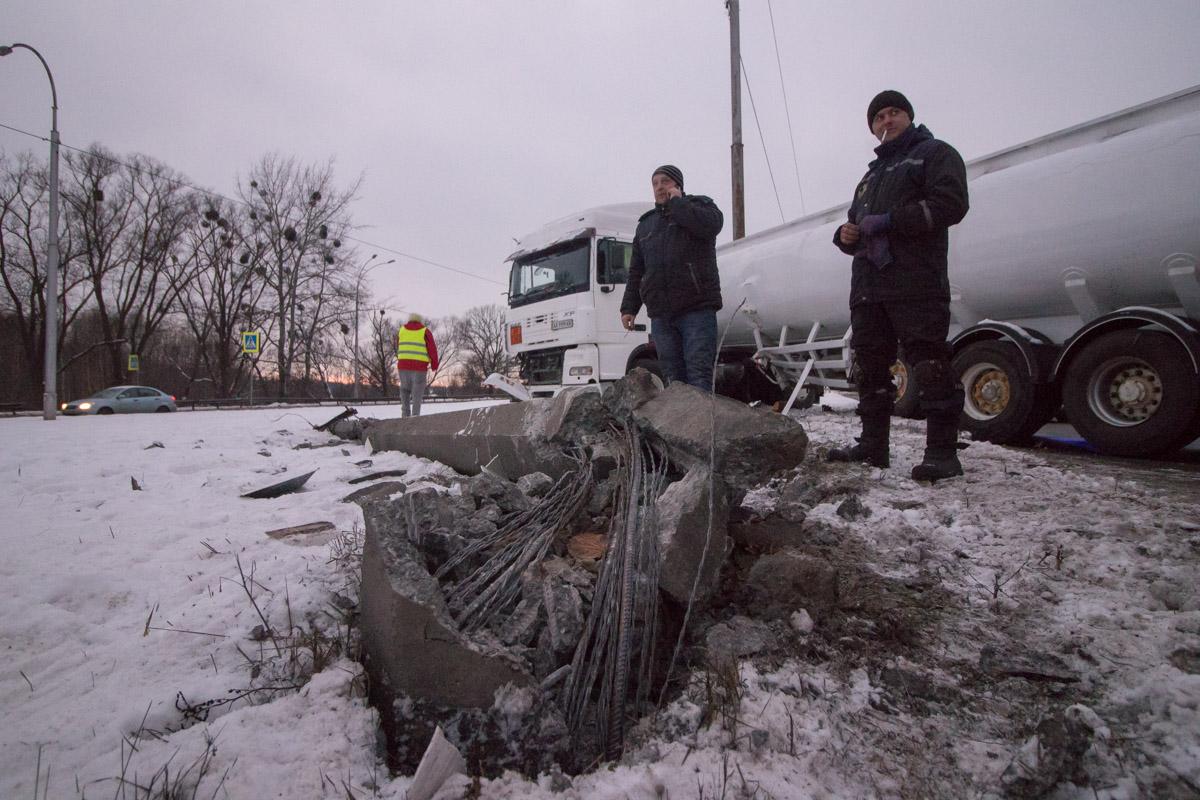 Недалеко от улицы Пироговский шлях перед грузовиком выскочил мужчина-пешеход