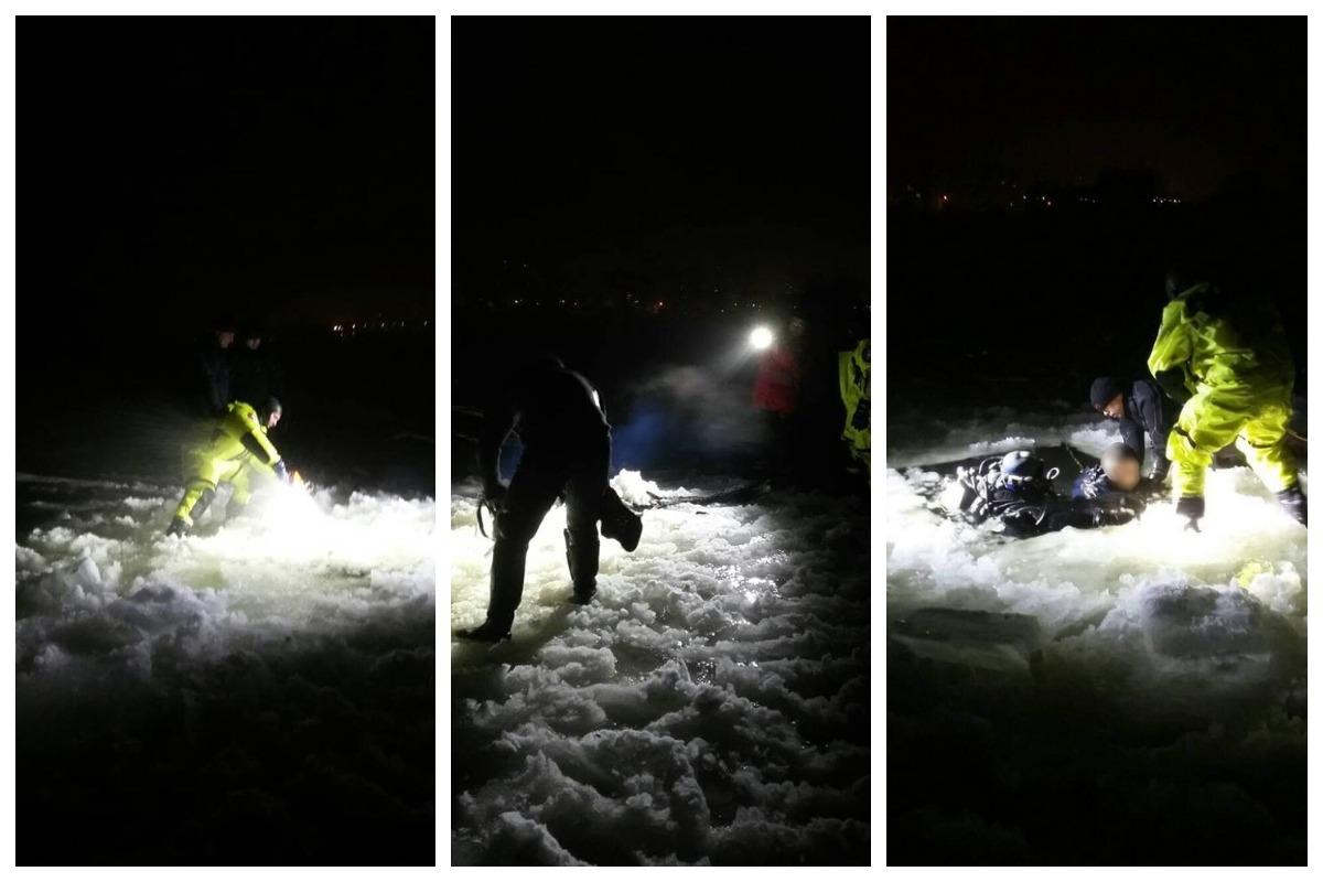 Спасатели ГСЧС при помощи специнструмента вскрыли лед, чтобы добраться до погибшего мужчины