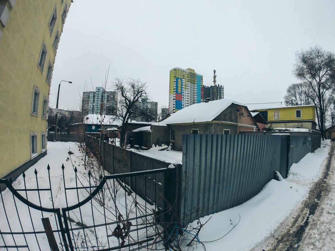 В Киеве в Краснокутском переулке умер мужчина