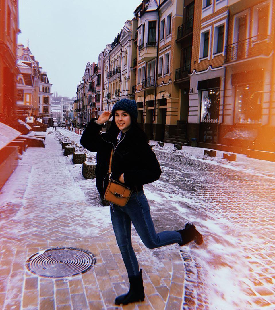 А если пройти совсем недалеко, можно попасть на типичную улочку старого европейского города - @dariiakosova