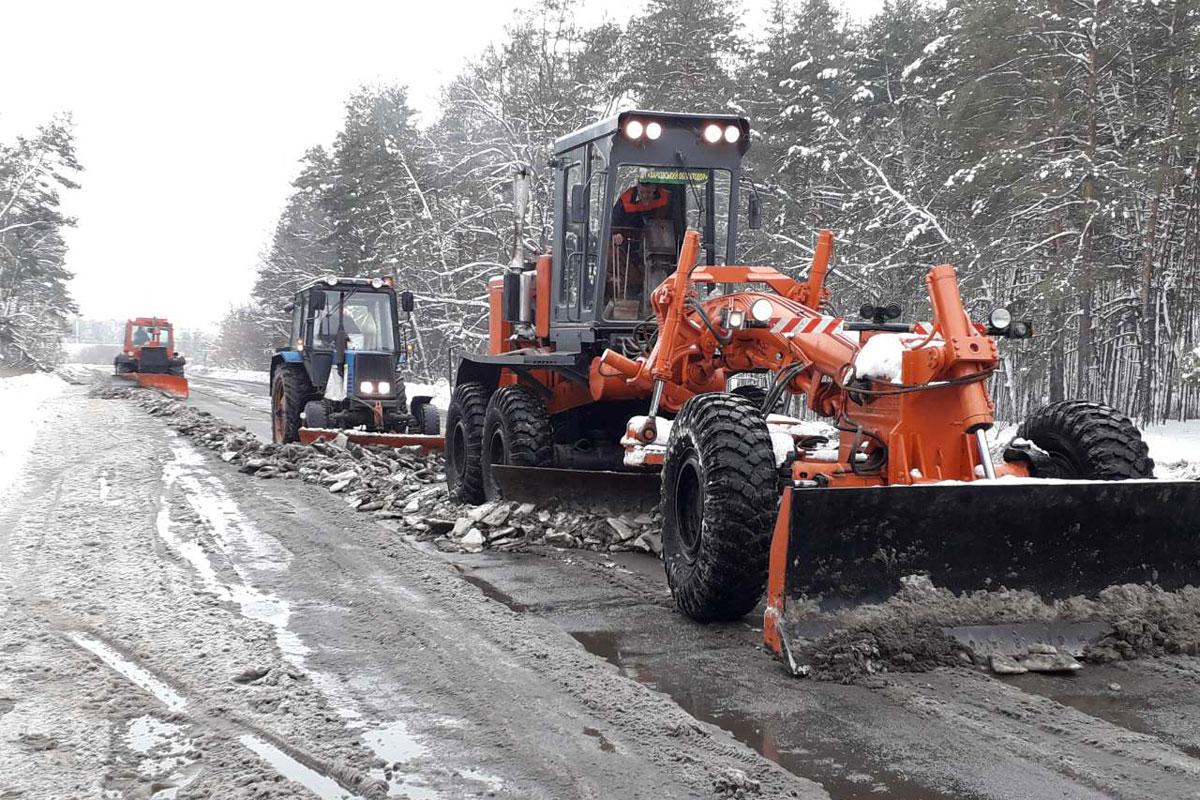 Ситуация на дорогах вновь усугубилась с приходом снегопадов