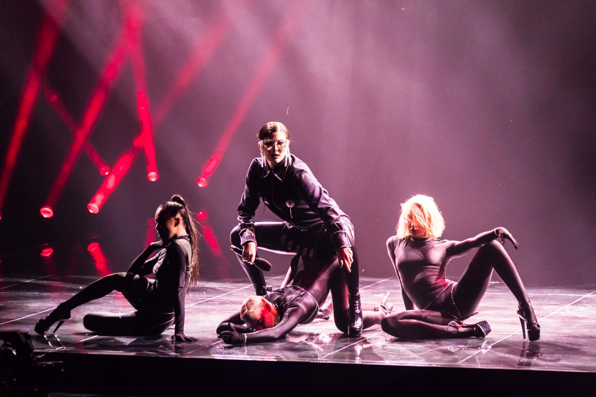 В финал прошли три участника - MARUV, Brunettes Shoot Blondes и YUKO