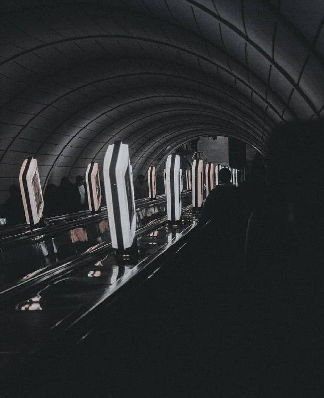 Тайна столичной подземки. Фото: @kyivlookatme