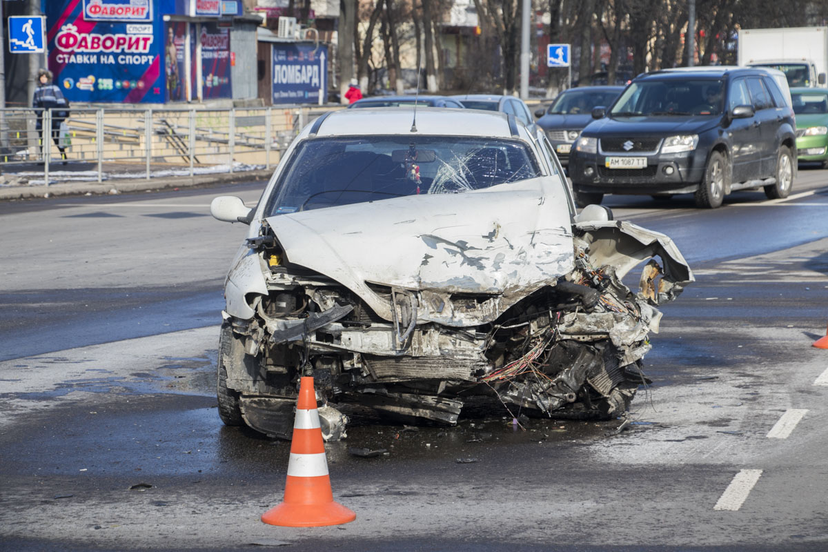 Пассажирку Renault госпитализировали
