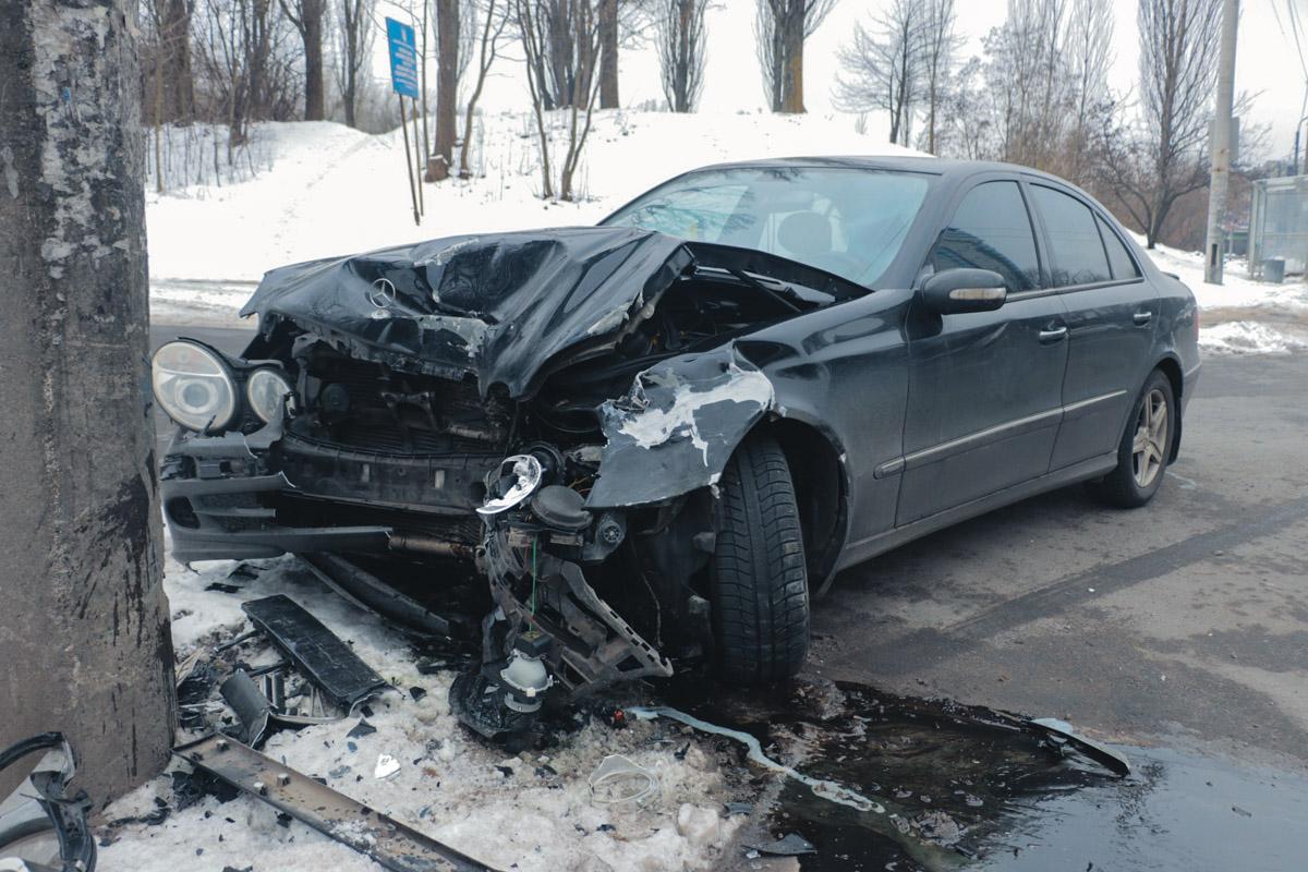 В Киеве на улице Елены Телиги произошло ДТП