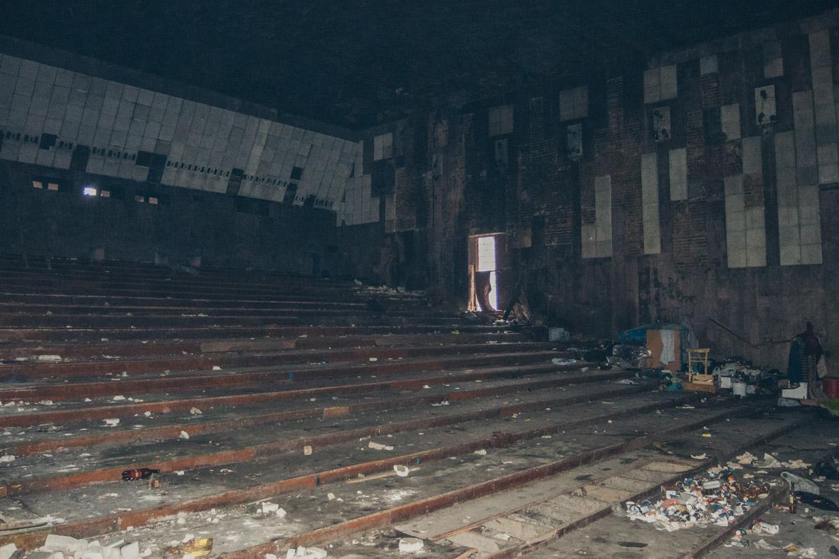 Кинотеатр имени Гагарина, построенный в 1971 году, проработал по назначению до 1993 года
