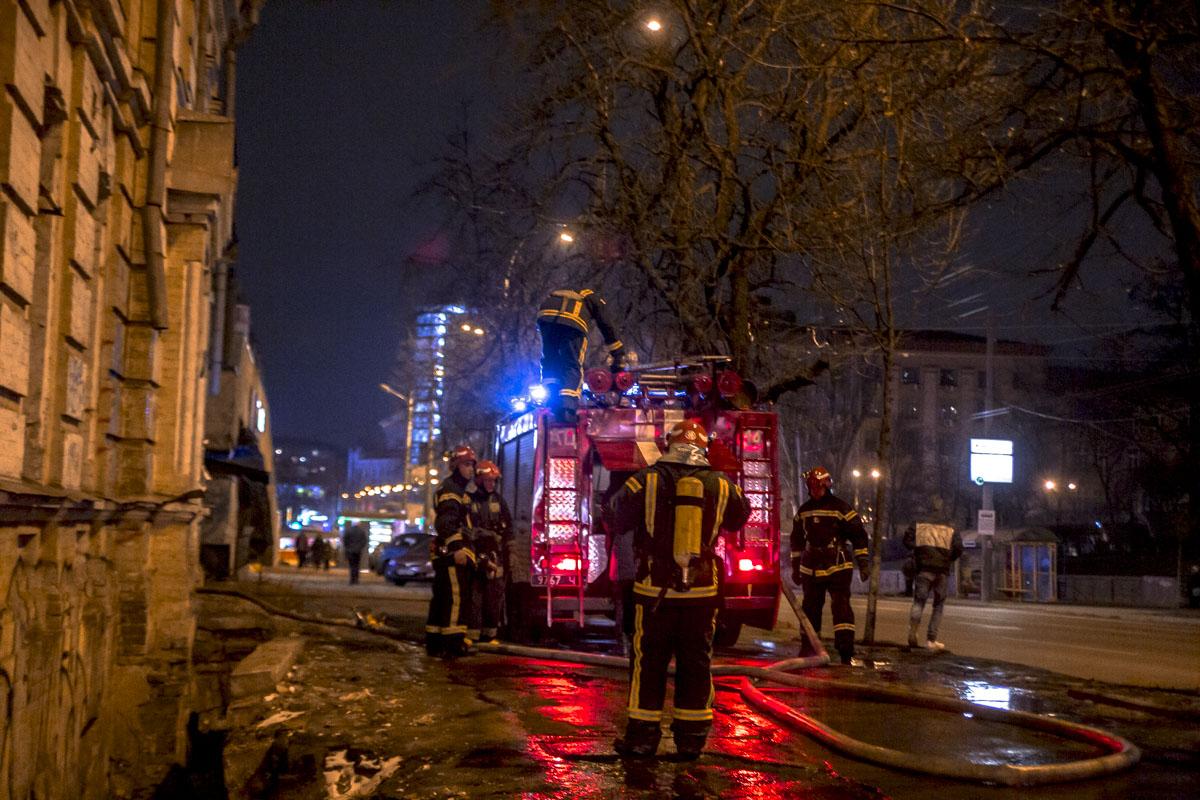 В Киеве на Лукьяновке произошел пожар