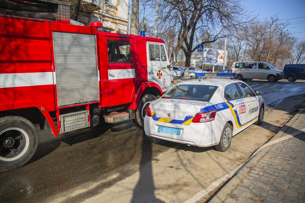 На месте работали три единицы пожарно-спасательной техники