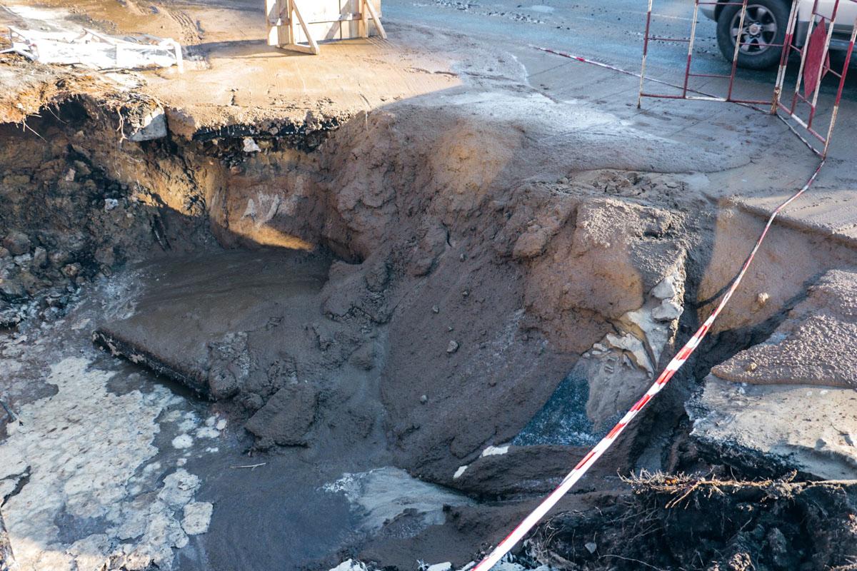 Глубина обвала составила около 1 метра
