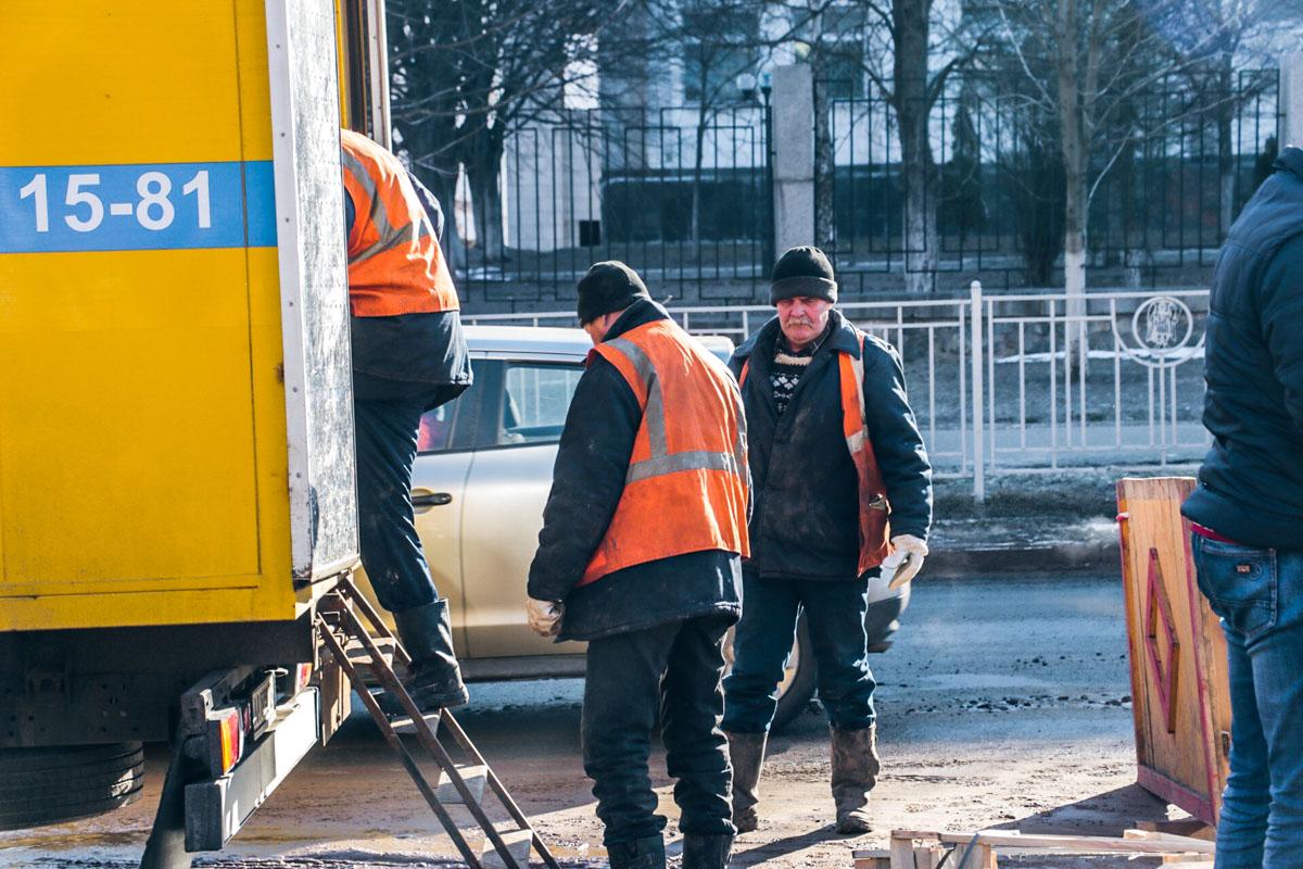 Аварийная служба Киевводоканала оперативно приступила к ликвидации повреждений