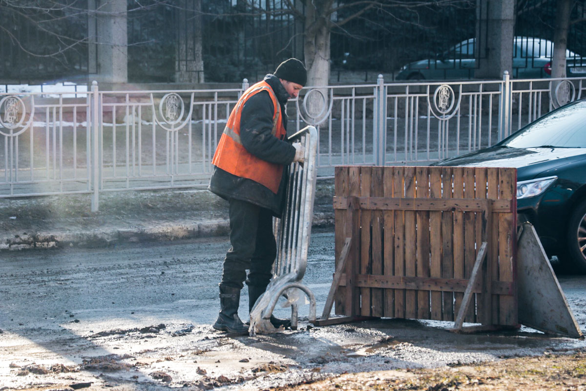В сторону Севастопольской площади собралась большая пробка из автомобилей