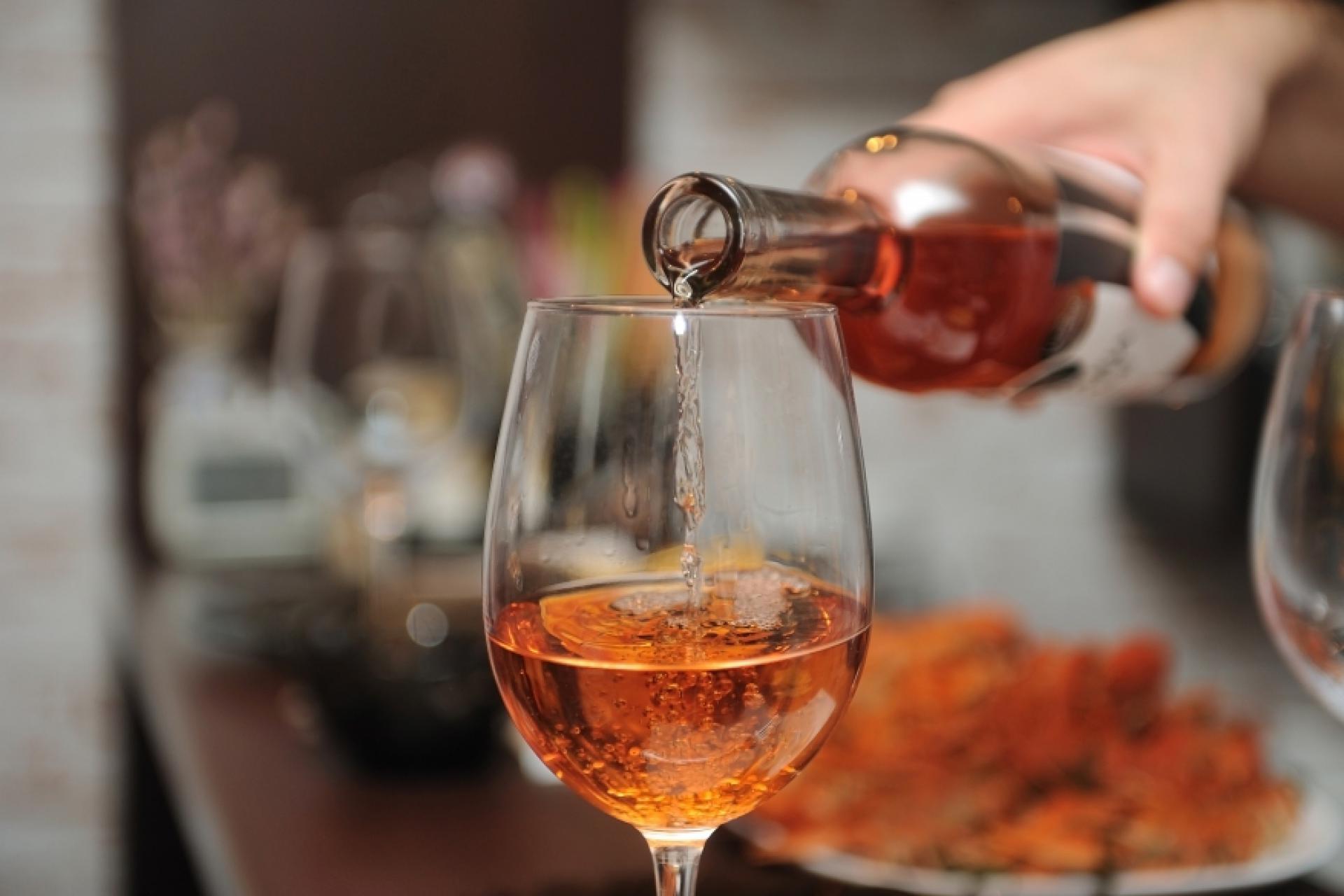 Строго говоря, алкоголь в этот праздник не возбраняется. Весь вопрос в дозировке