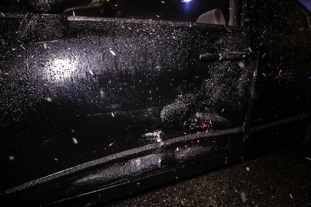 Автомобиль Honda развернуло поперек средней полосы