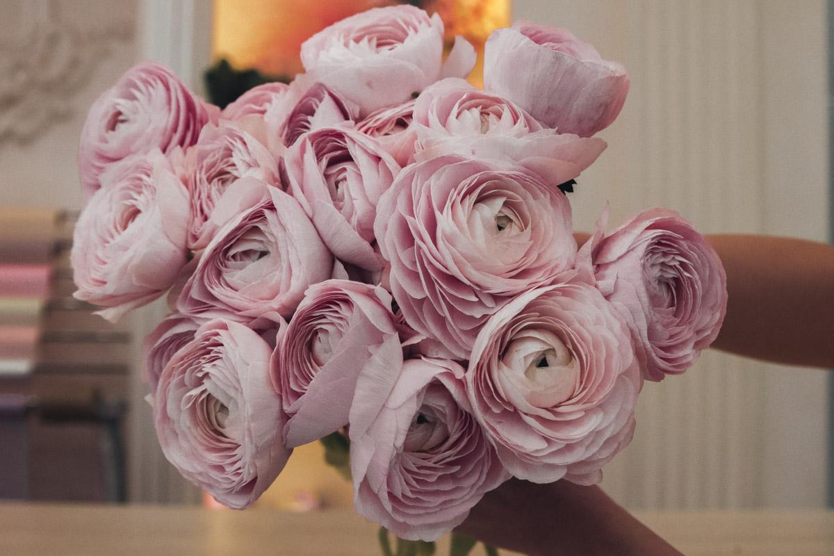 День святого Валентина уже наступил - а вместе с ним и самый жаркий день для цветочных магазинов