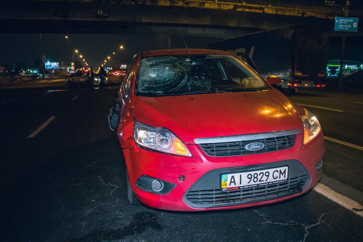 Вечером 11 февраля в Киеве на Броварском проспекте возле супермаркета Novus произошла авария