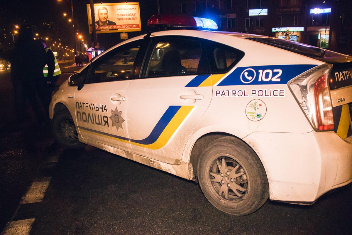 На месте происшествия работали сотрудники патрульной полиции