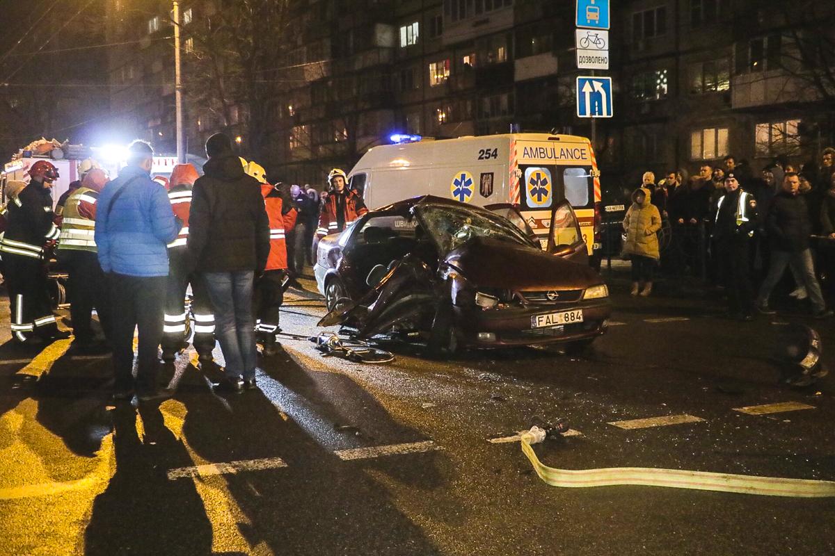 О том, какие травмы получил пассажир и водитель, пока нет данных