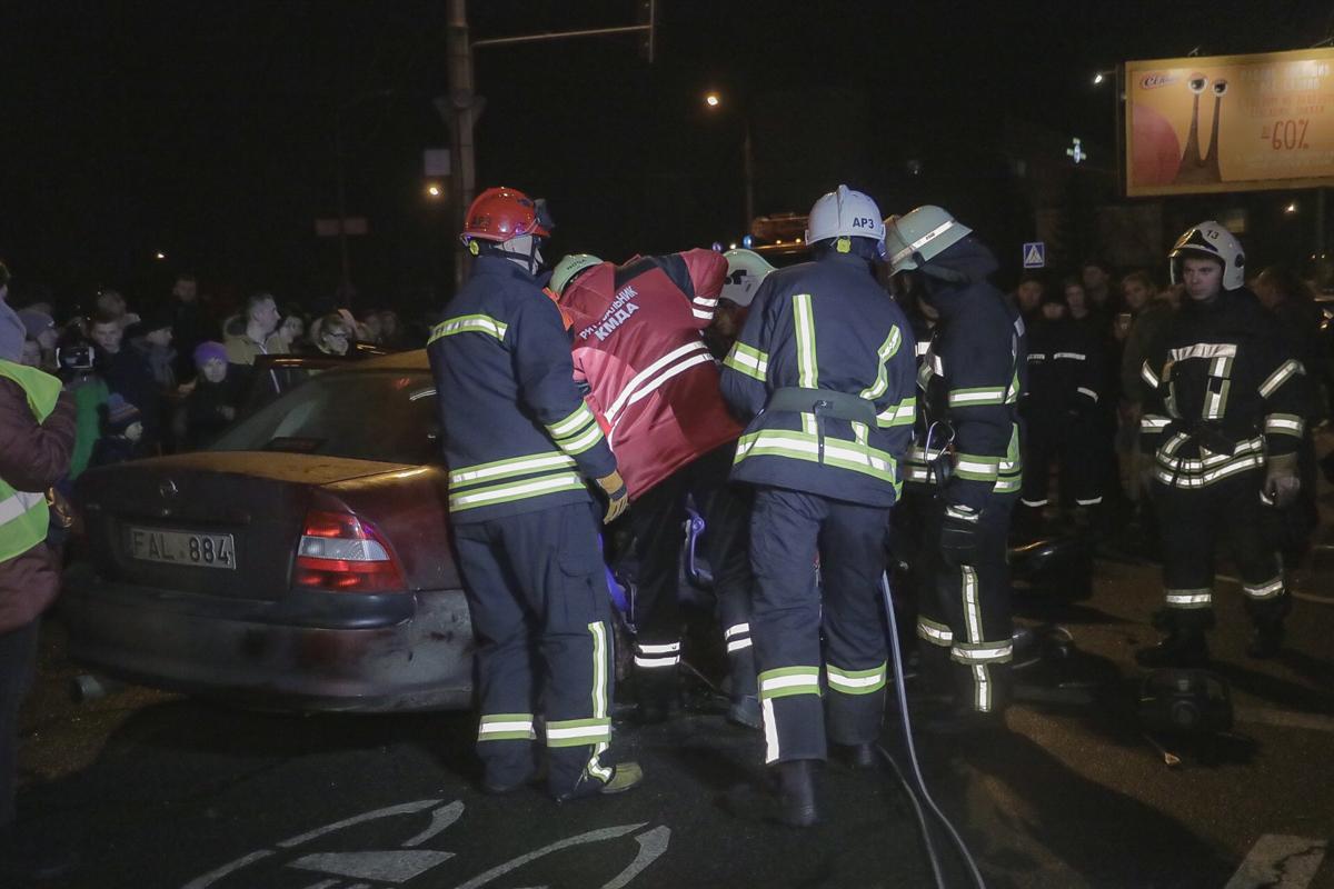 Столкнулись автомобили Opel и BMW