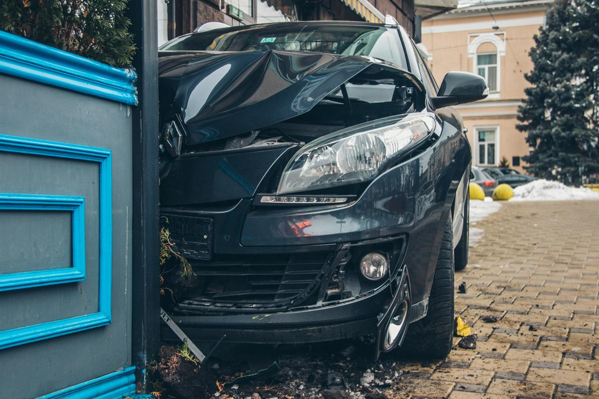 У Renault смята передняя часть
