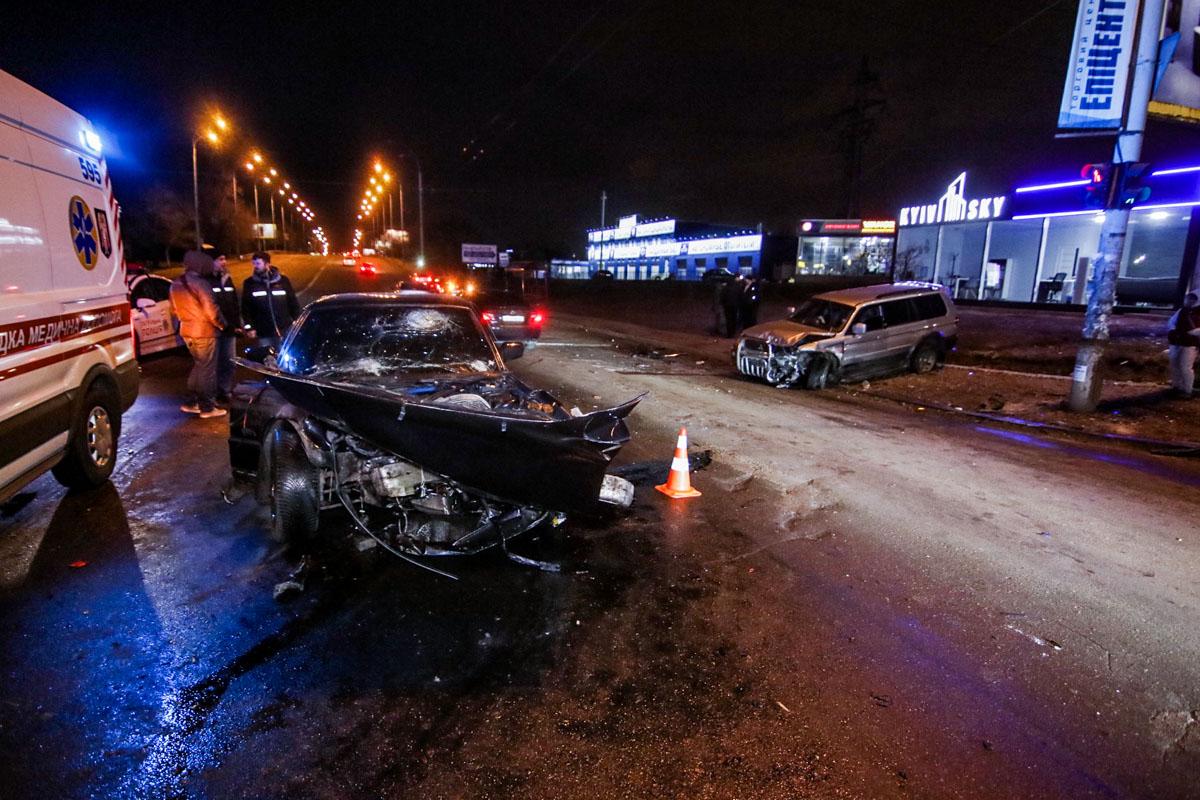 В результате аварии в больницу госпитализировали обоих водителей