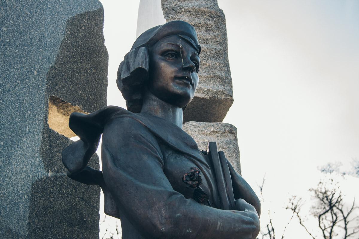 Это известная украинская поэтесса и общественный деятель, которая была убита 21 февраля 1942 года