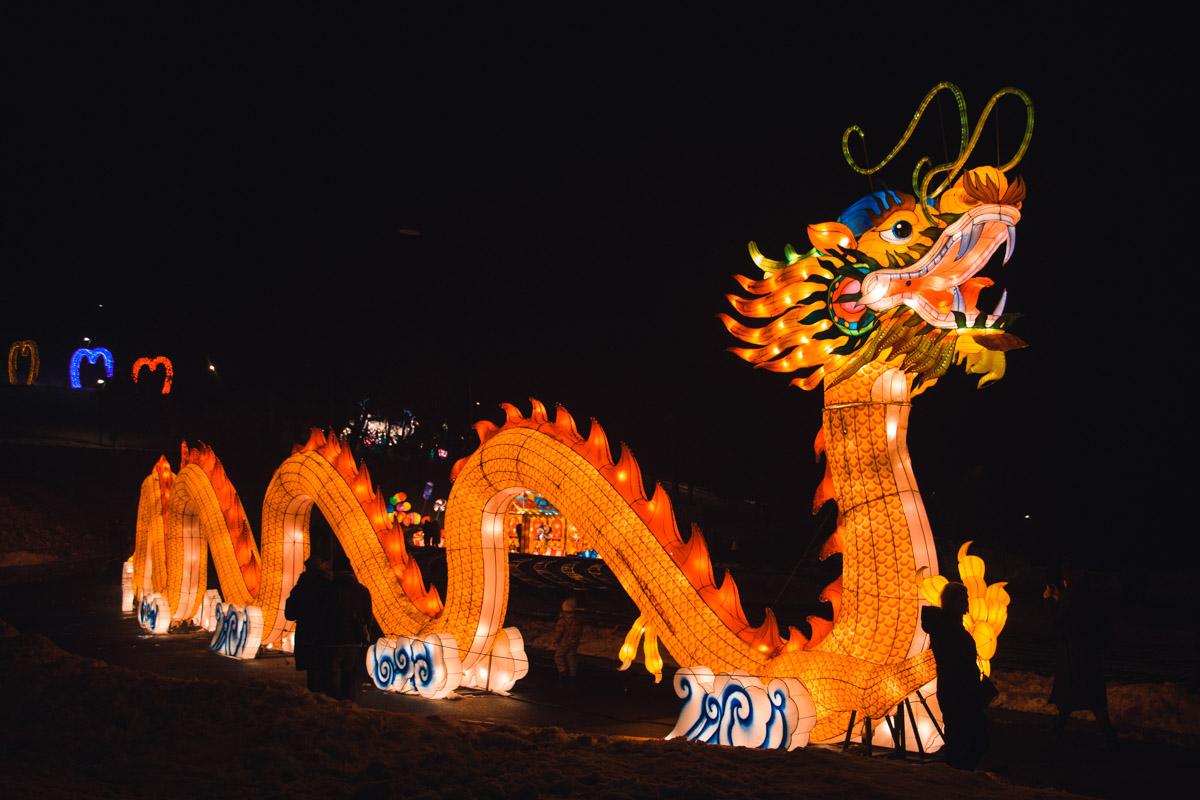 Изюминкой выставки можно считать 40-метрового дракона, который переносит посетителей в самое сердце Китая