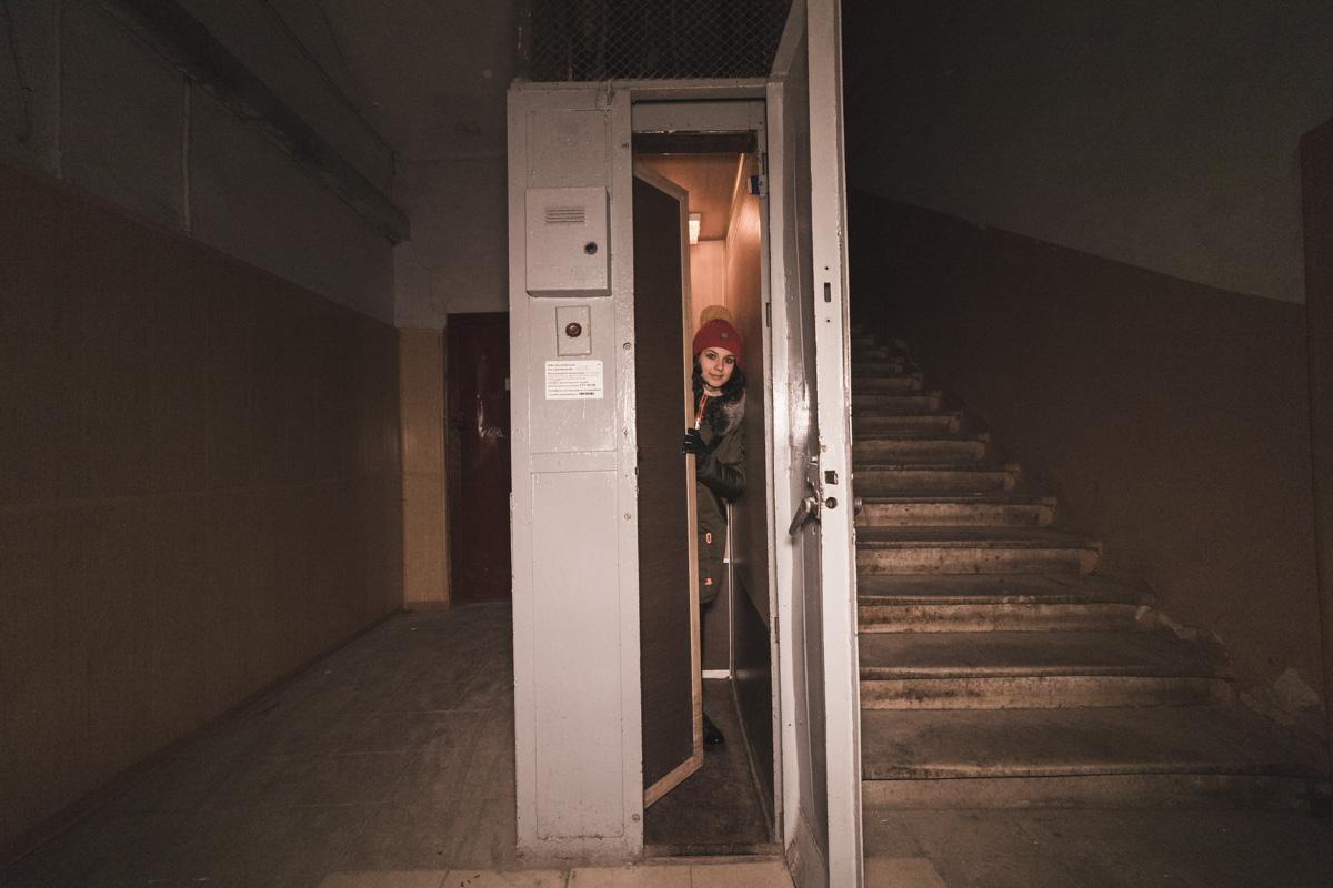 Самый маленький лифт в Киеве находится в неприметной пятиэтажке на улице Прорезная.
