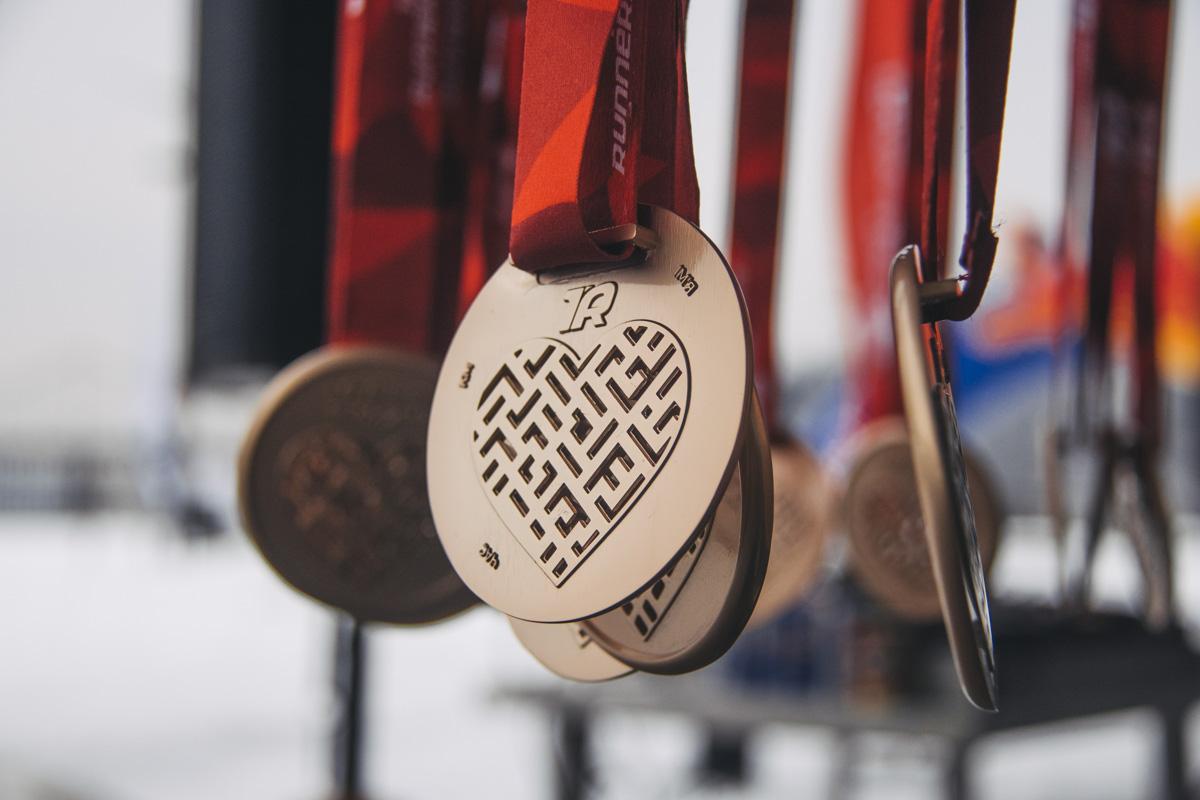 Каждый без исключения стал обладателем символического приза в виде медали, круассана и горячего какао