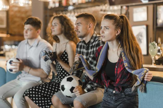 Сделайте вид, что обожаете футбол и вы покорите сердце мужчины