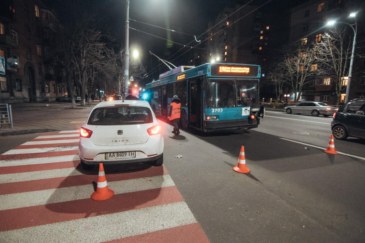 В момент аварии в троллейбусе были люди
